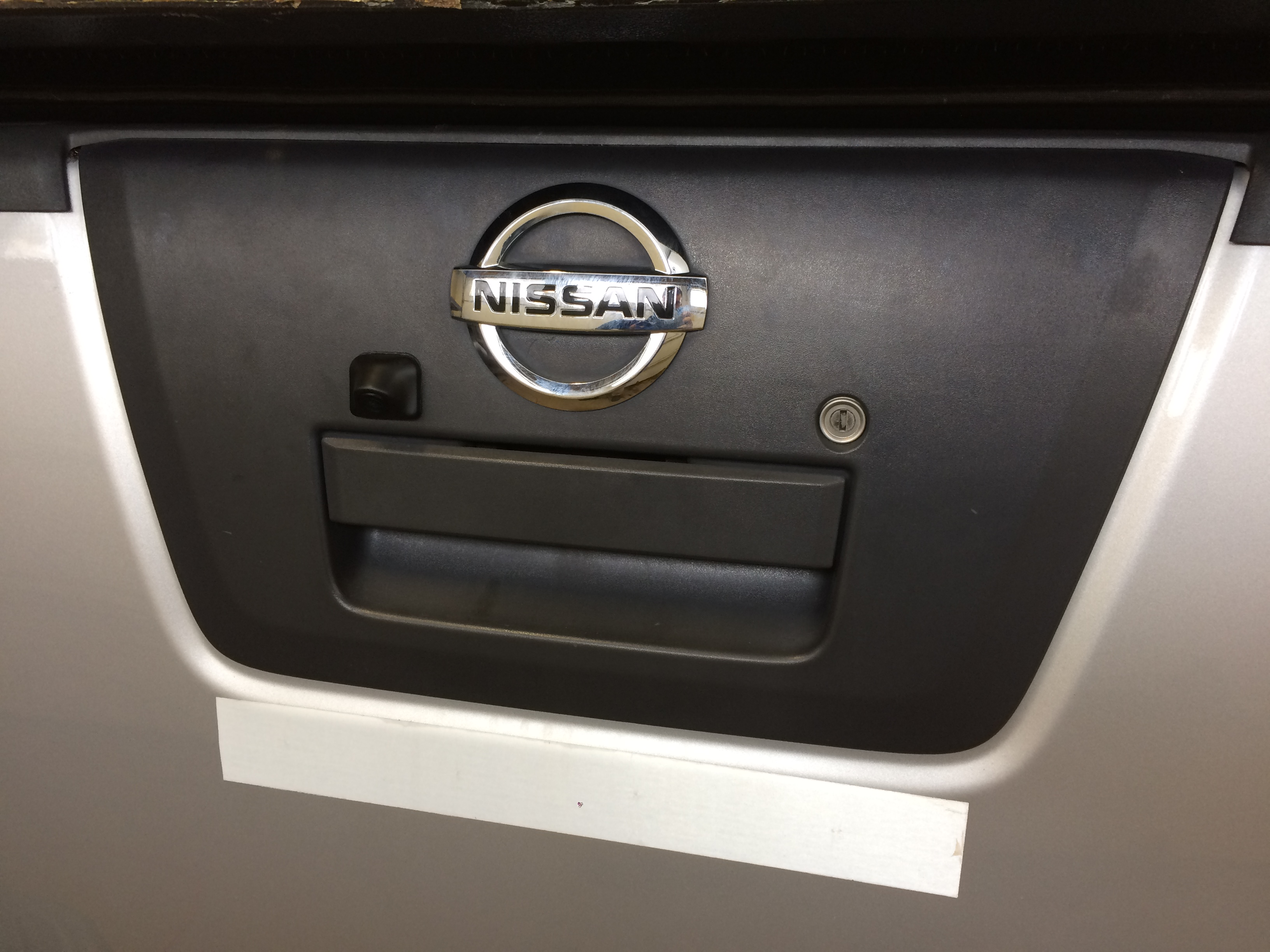 Blossom Installations 187 Nissan Frontier Gets Sony