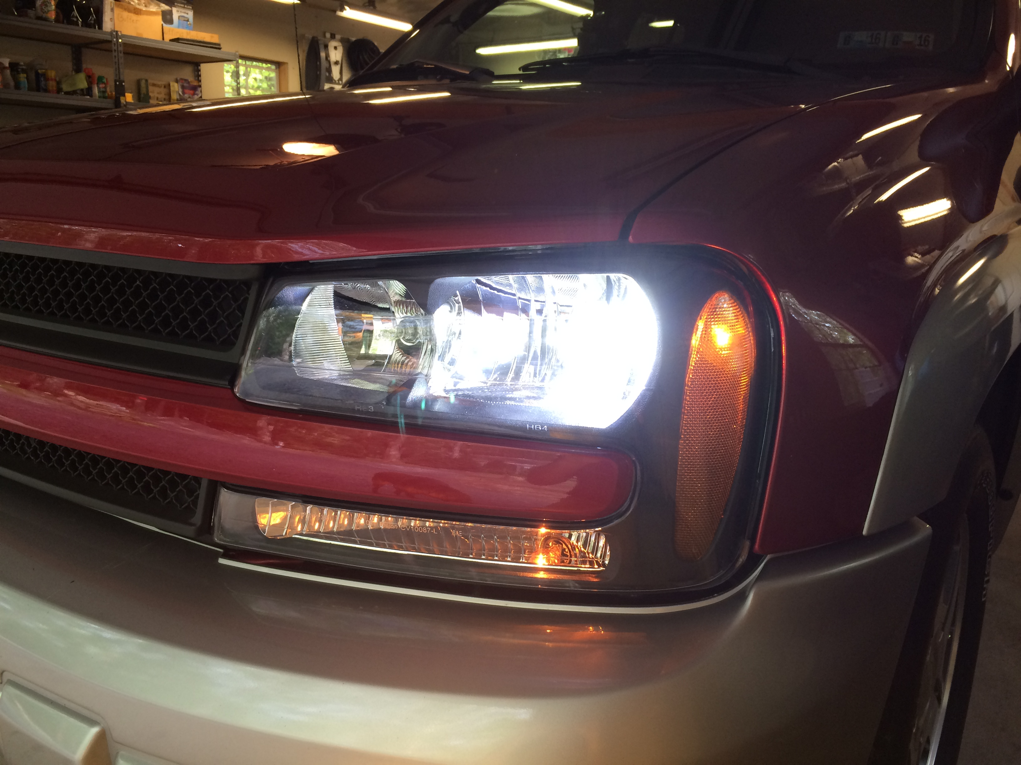 Blossom Installations » Chevy Trailblazer CREE LED Headlight 6k with 3K HID fogs
