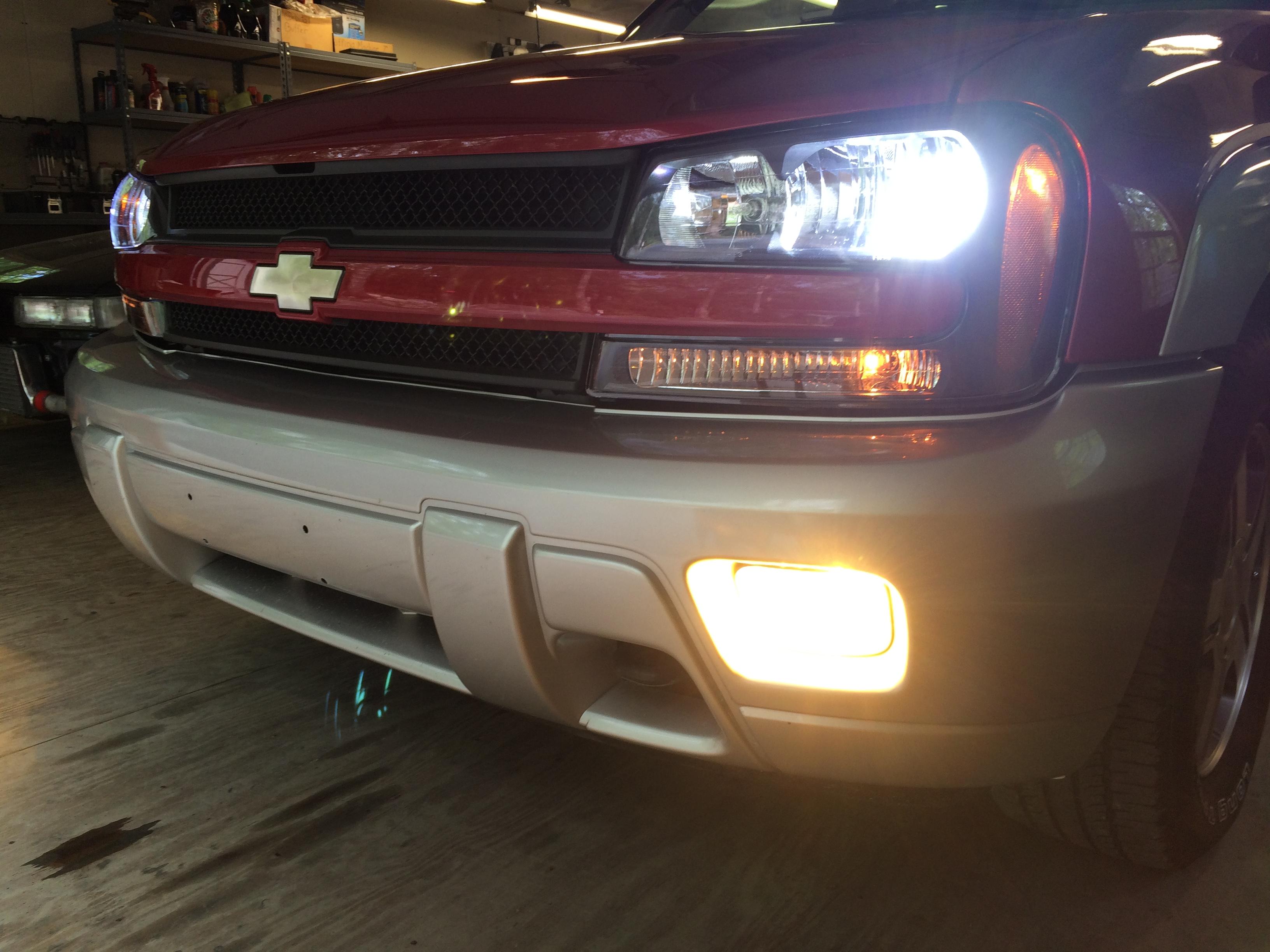 Blossom Installations » Chevy Trailblazer CREE LED Headlight 6k with 3K HID fogs